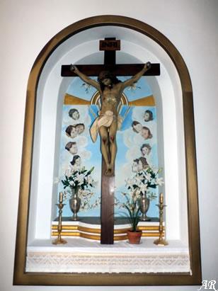benamahoma-iglesia-de-san-antonio-de-padua-cristo