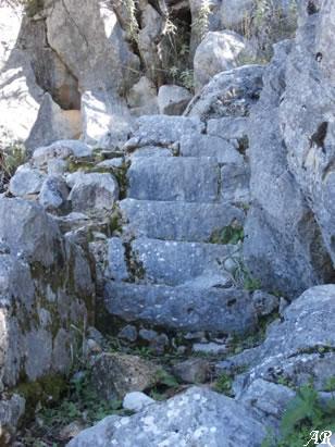 Escaleras junto a la Cisterna nº 1