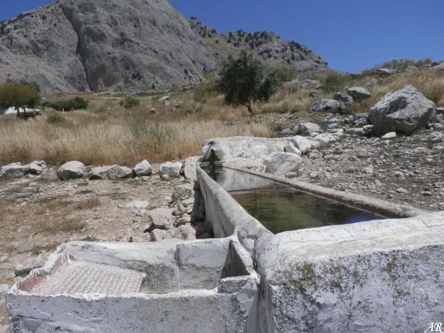 Antequera - Fuente del Cortijo de San Isidro