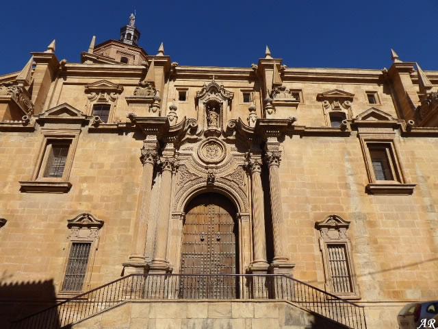 Portada de Santiago de la Catedral de la Encarnación